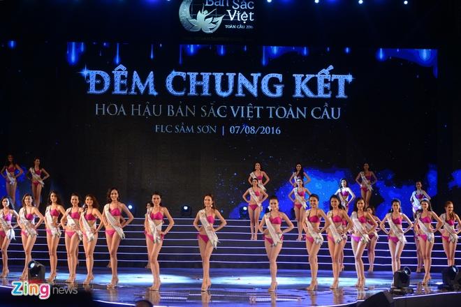 Nguoi dep Hoa hau Ban sac Viet nong bong voi bikini hinh anh 1