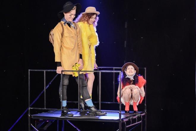 Hot girl cao 1,55 m bi Thanh Hang mang khong biet dieu hinh anh 1