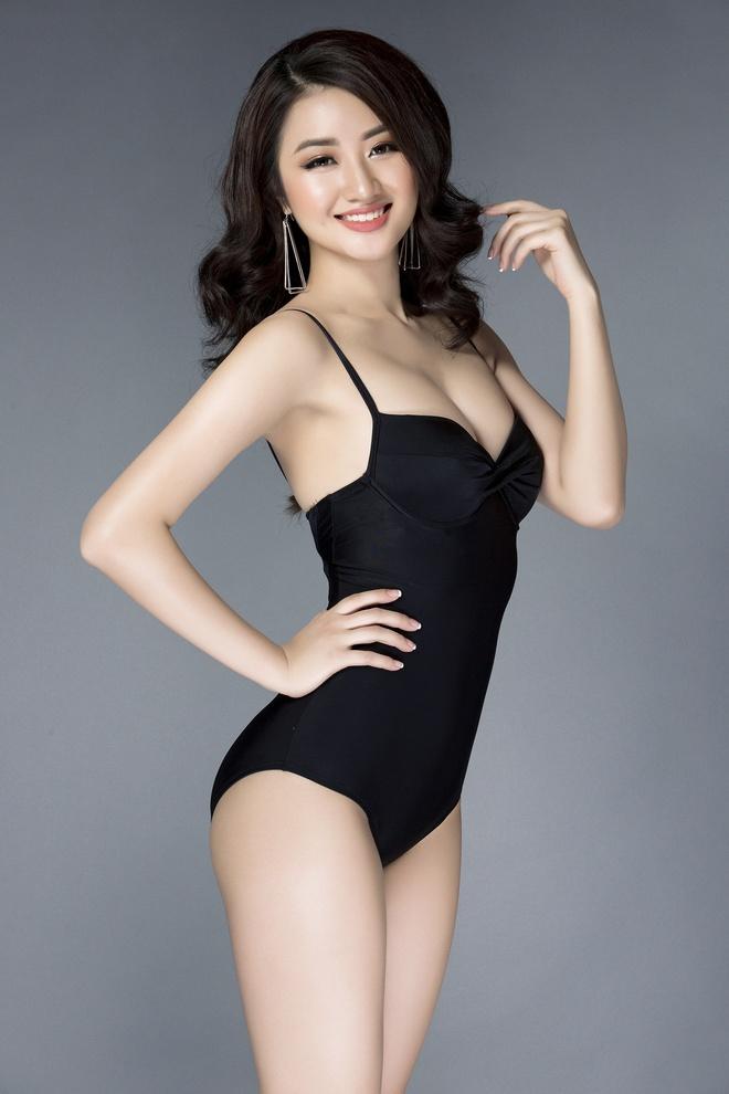 Tan Hoa hau Ban sac Viet khoe duong cong goi cam hinh anh 5