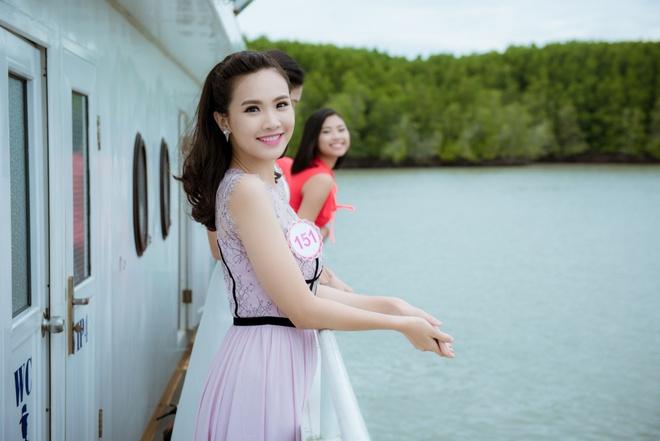 Nguoi dep Hoa hau Viet Nam tham Can Gio hinh anh 8