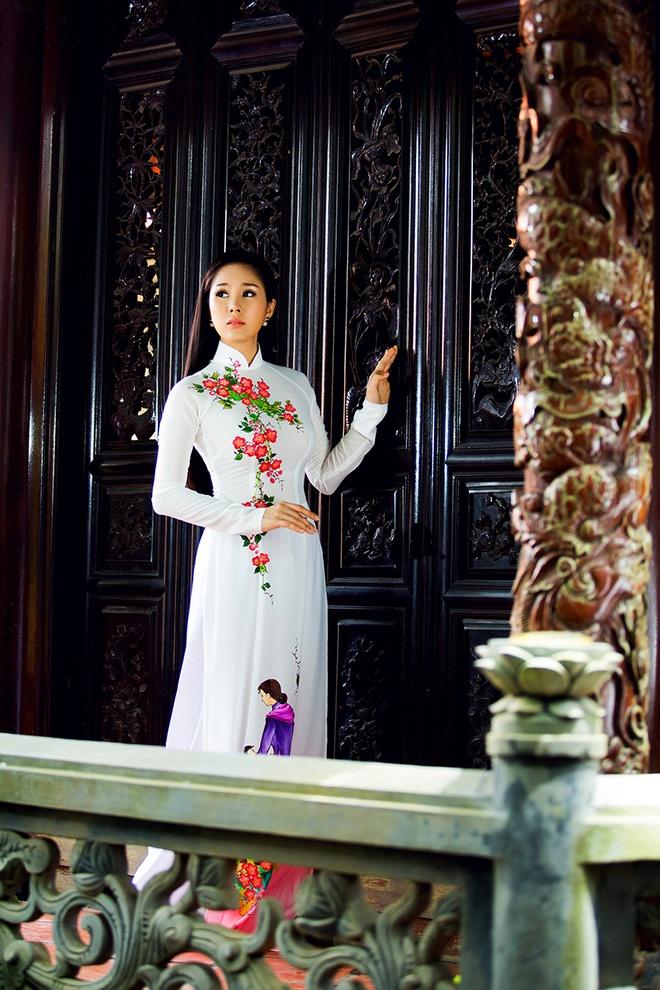 Le Phuong goi y mau ao dai dip Vu Lan hinh anh 2