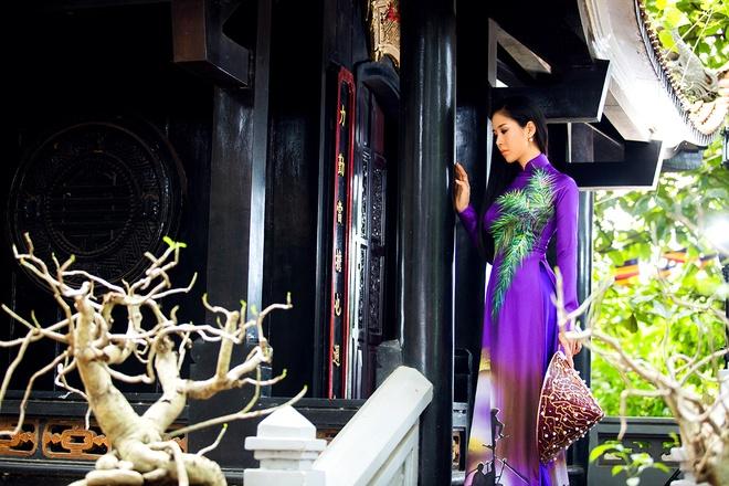 Le Phuong goi y mau ao dai dip Vu Lan hinh anh 5
