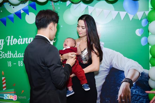 Ung Hoang Phuc ra mat con trai trong tiec sinh nhat 35 tuoi anh 2