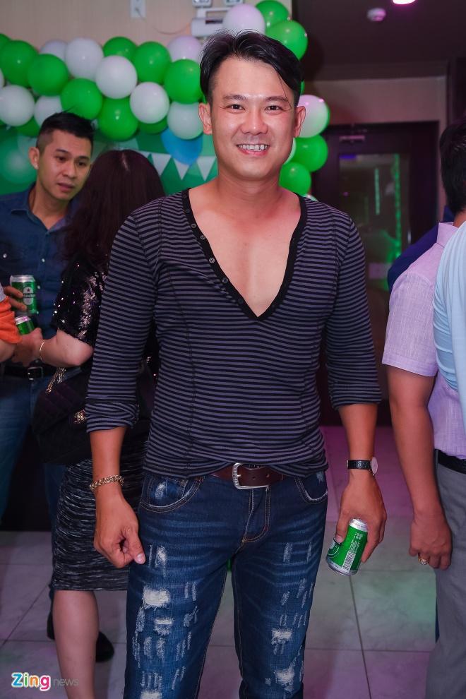 Ung Hoang Phuc ra mat con trai trong tiec sinh nhat 35 tuoi anh 7