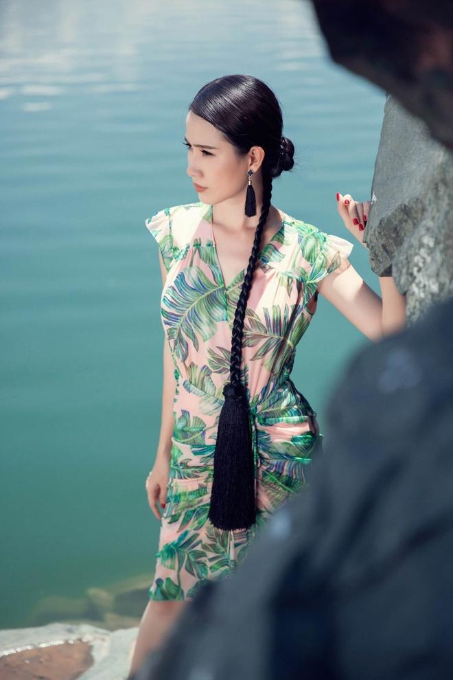 Phan Thi Mo goi y trang phuc goi cam dip cuoi tuan hinh anh 9