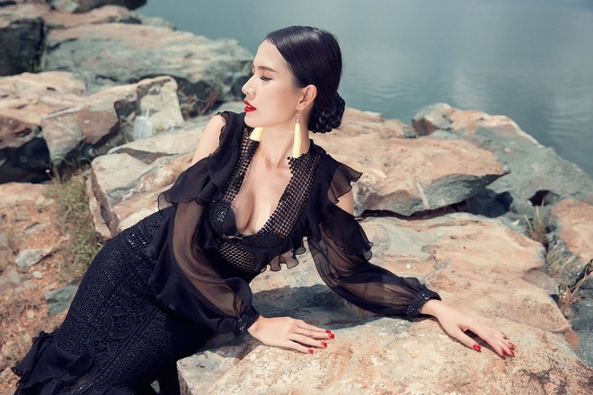 Phan Thi Mo goi y trang phuc goi cam dip cuoi tuan hinh anh 4