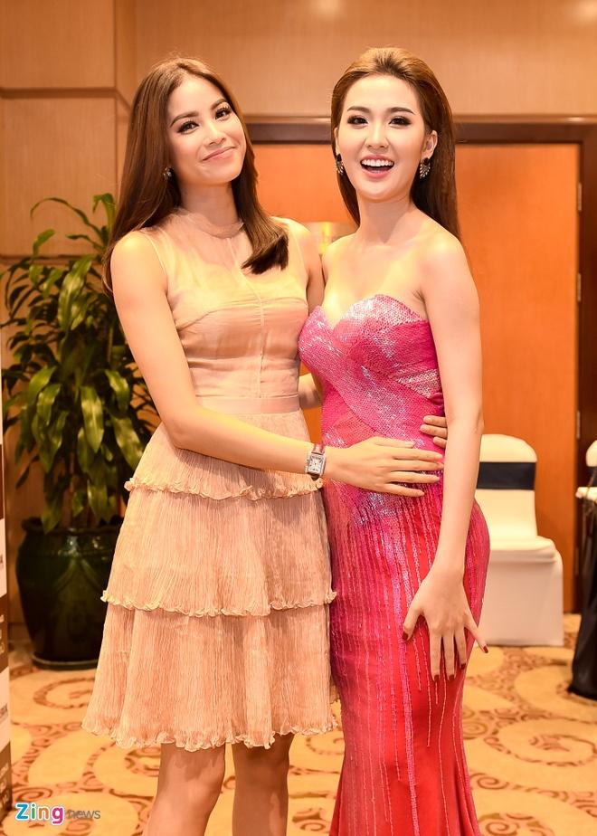 Pham Huong chinh vay cho hoc tro The Face o su kien hinh anh 2
