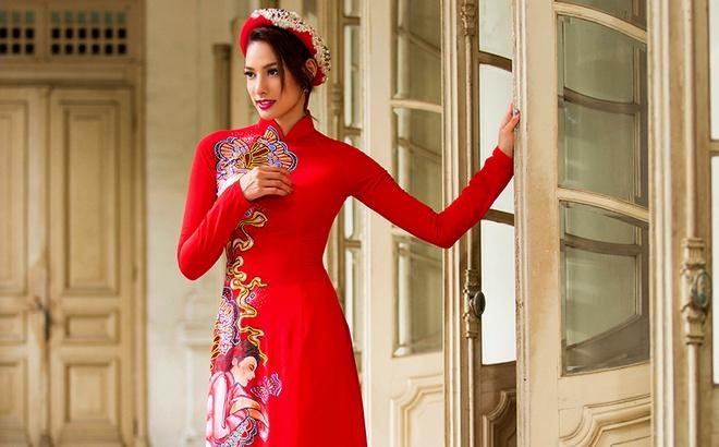 Lilly Nguyen duyen dang voi ao dai sac mau hinh anh 7