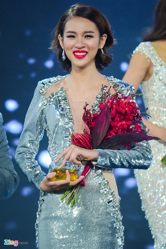 Phi Phuong Anh: 'Toi xung dang la quan quan hon Mai Ngo' hinh anh 1