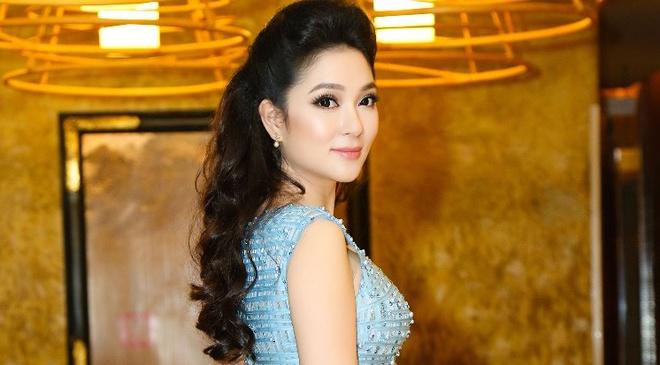 Nguyen Thi Huyen dan dau top sao dep tuan qua hinh anh