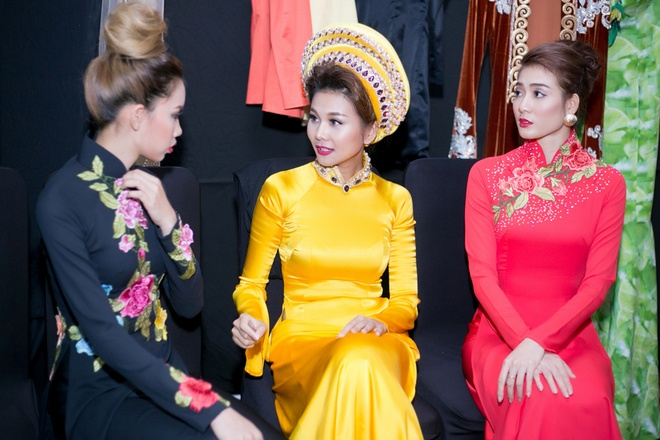 Thanh Hang no luc giu vi tri so mot tren san catwalk hinh anh 5