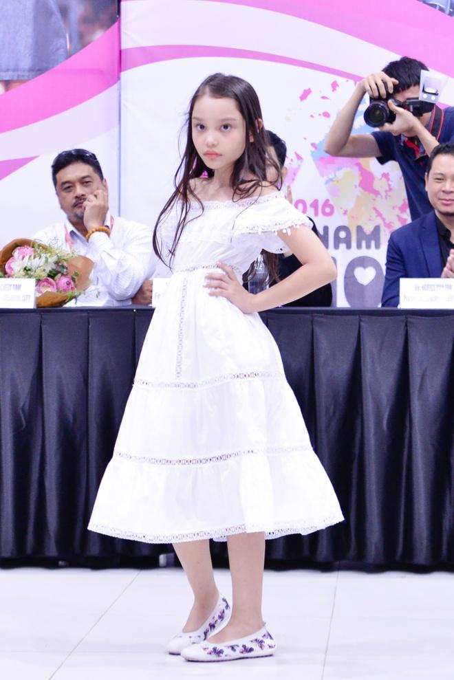 Xuan Lan trinh lang dan mau dien Tuan le Thoi trang nhi hinh anh 7