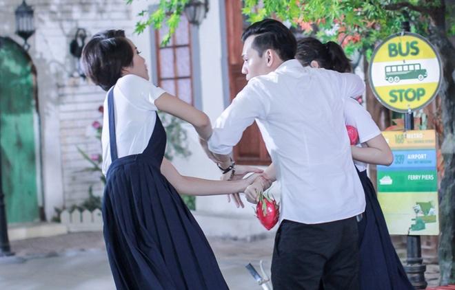 Angela Phuong Trinh bi thi sinh Next Top Model bat nat hinh anh 4