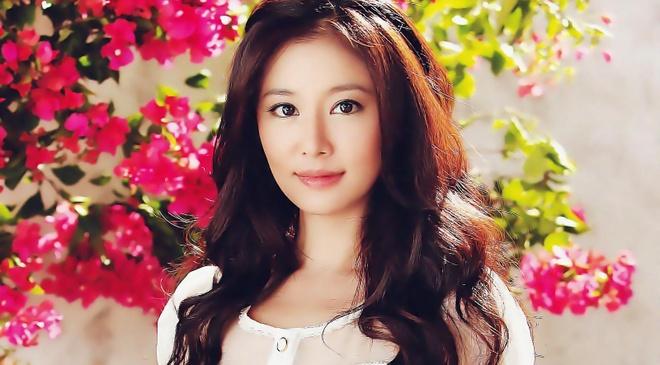 Lam Tam Nhu bi chi trich vi khoe hang hieu hinh anh
