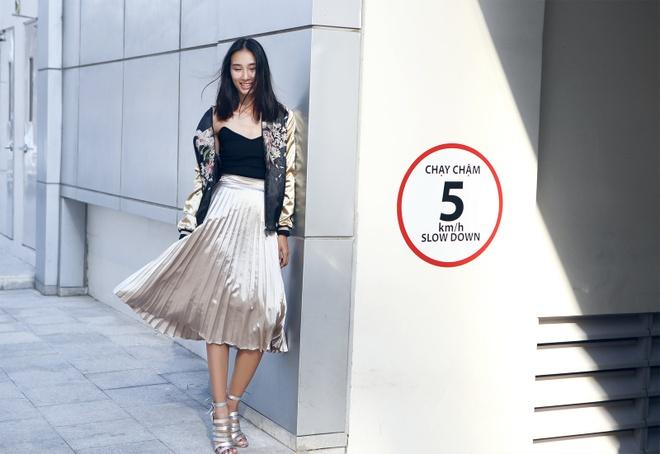 Trang Khieu goi y trang phuc dao pho mua thu hinh anh 6