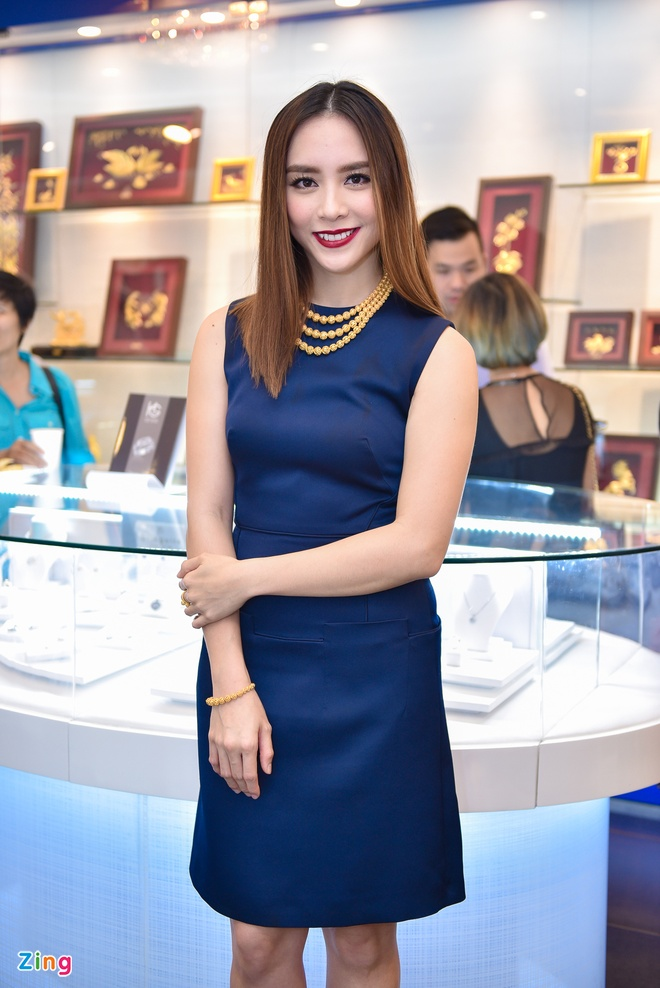 Pham Huong, Thien Ly thanh lich o su kien hinh anh 3