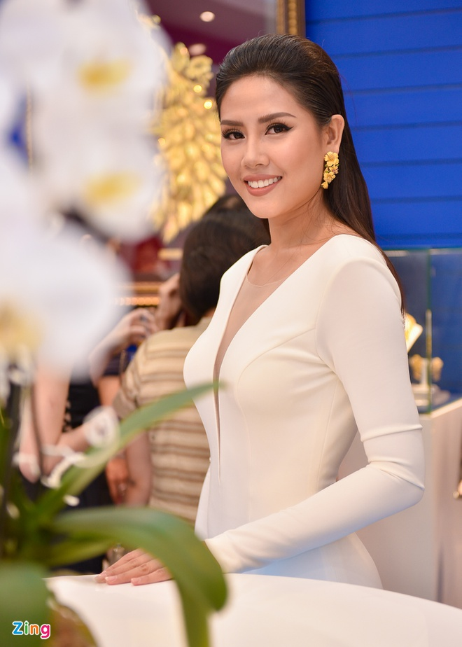 Pham Huong, Thien Ly thanh lich o su kien hinh anh 5