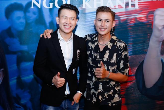 Thuy Vinh tang gau bong nhan ngay hoc tro ra mat MV moi hinh anh 7