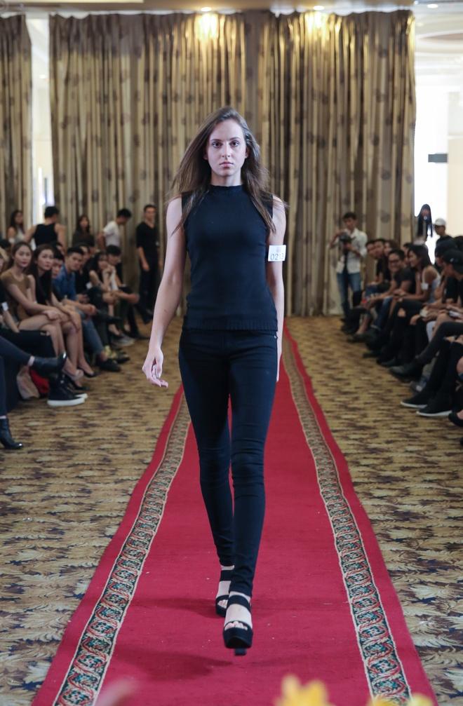'Nam lun' Next Top Model lot thom ben dan chi cao 1,9 m hinh anh 8