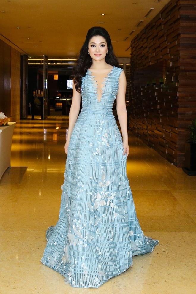 My Linh, Pham Huong vao top trang phuc dep thang 9 hinh anh 5