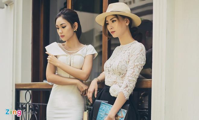 Chi em A khoi Ao dai 2016 dien do doi xuong pho Sai thanh hinh anh 8
