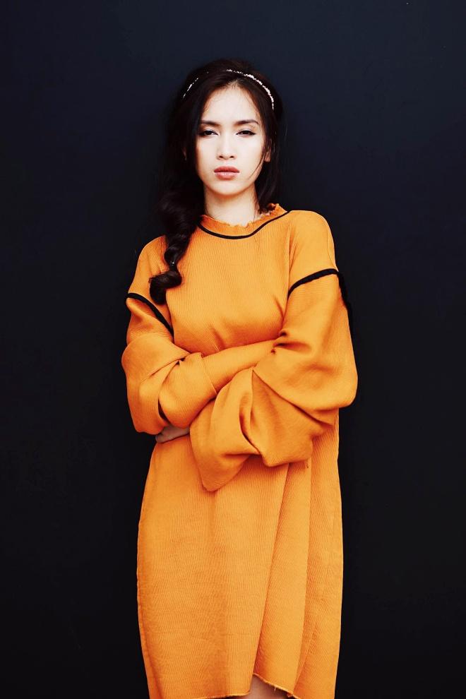 Ai Phuong goi y 5 set do dao pho mua thu hinh anh 4