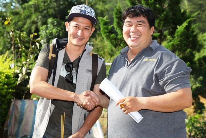 Huy Khanh lam tai xe taxi trong 'Vali... tinh yeu' hinh anh 7
