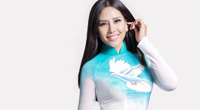 Nguyen Loan mang thong diep hoa binh den Miss Grand hinh anh