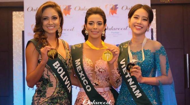 Nam Em gianh them giai trang phuc da hoi tai Miss Earth 2016 hinh anh