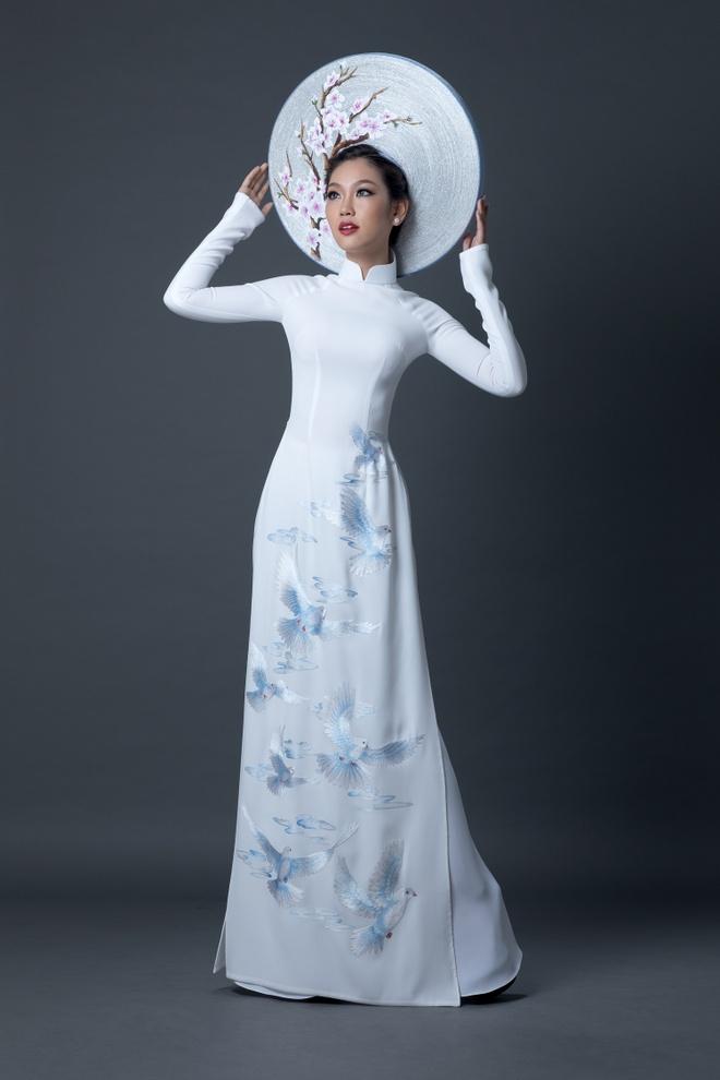 A khoi Ao dai chon quoc phuc in hinh co gai Viet hinh anh 1