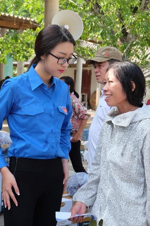 My Linh,  Thanh Tu lam tu thien anh 2