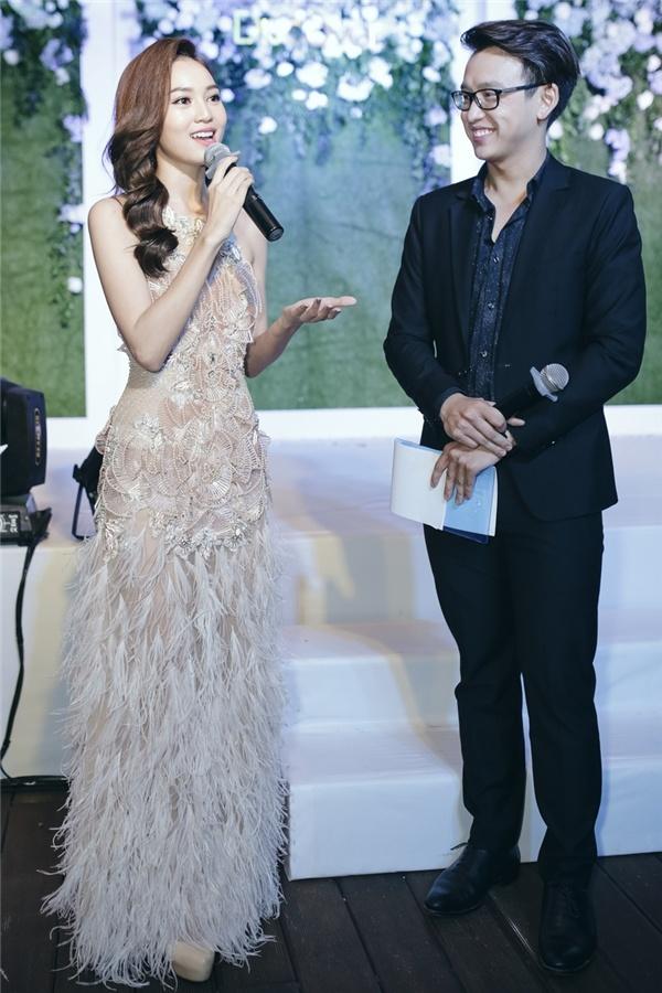 Ky Duyen, Angela Phuong Trinh dan dau top sao dep tuan hinh anh 2