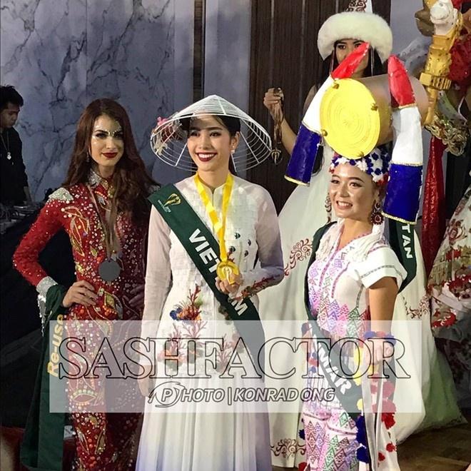 Nam Em lot top 8 Miss Earth anh 8