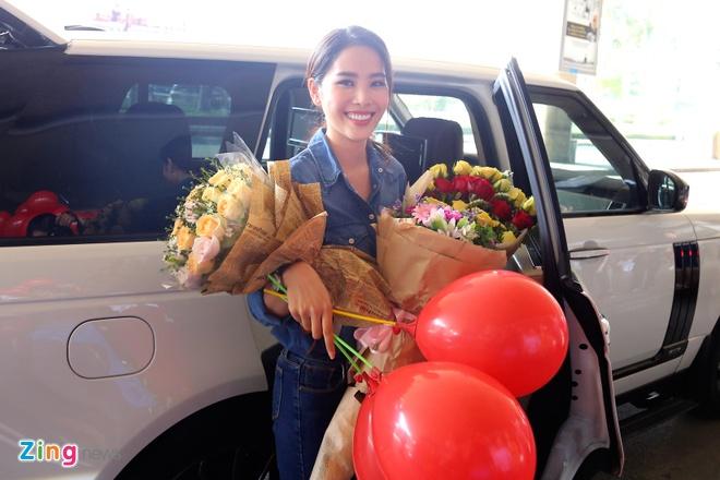 Nam Em rang ro tro ve tu Hoa hau Trai dat 2016 hinh anh 6