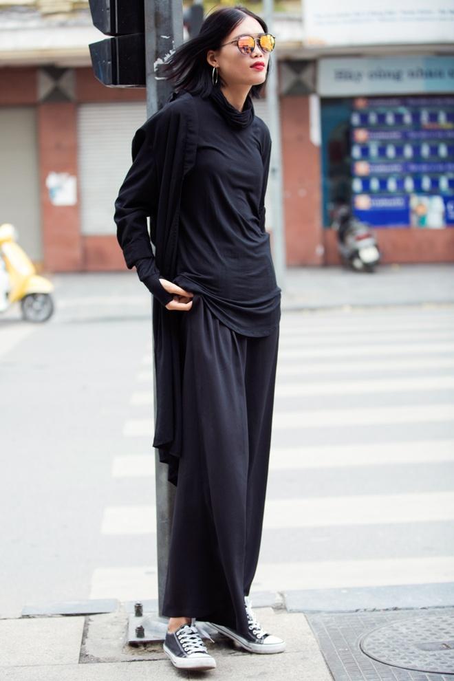 Street style ben le Tuan le Thoi trang quoc te VN hinh anh 3