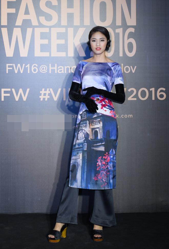 Hoa hau Hoan vu Singapore 2016 sang Viet Nam anh 3