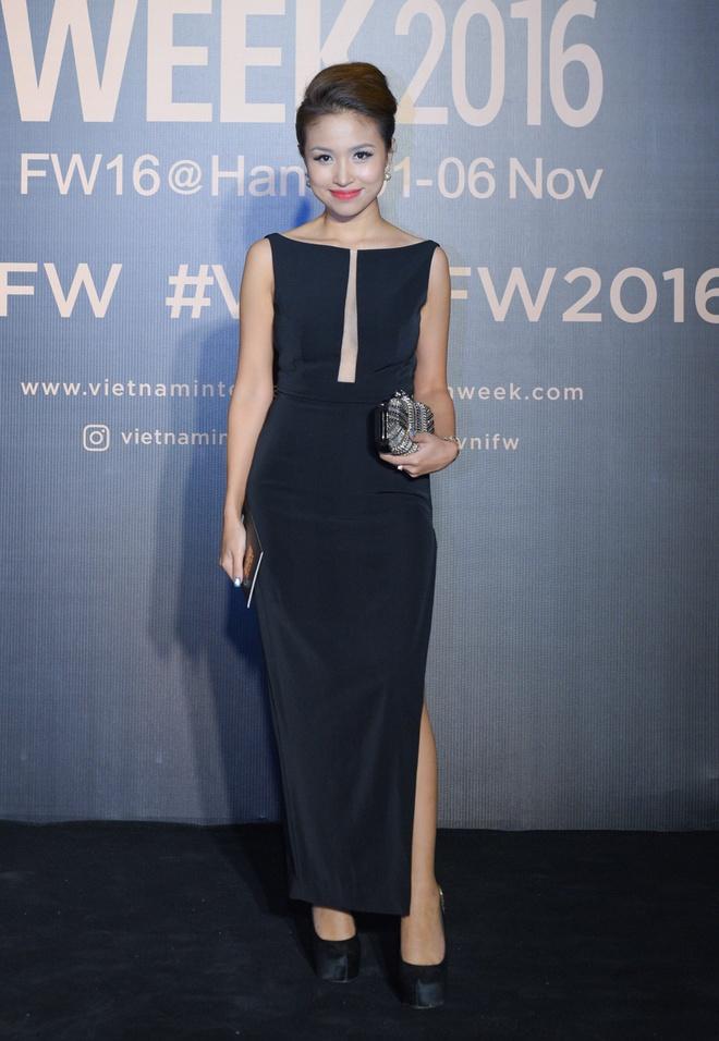 Hoa hau Hoan vu Singapore 2016 sang Viet Nam anh 5