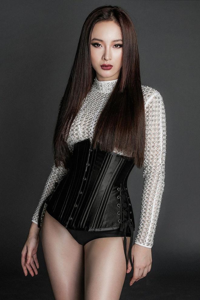 Angela Phuong Trinh lanh lung voi thoi trang ca tinh hinh anh 7