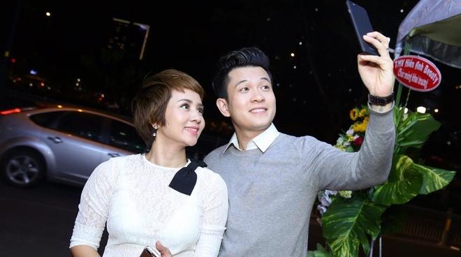 Thuy Hien di su kien cung Ngoc Khanh V-music hinh anh
