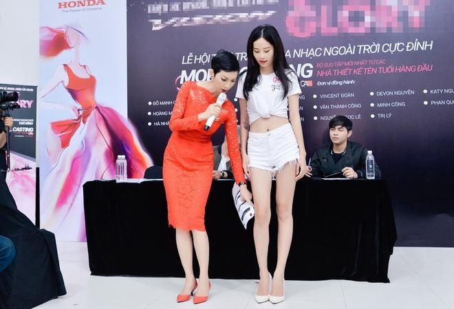 Chi song sinh cua Nam Em dien ao ho eo di casting hinh anh 4