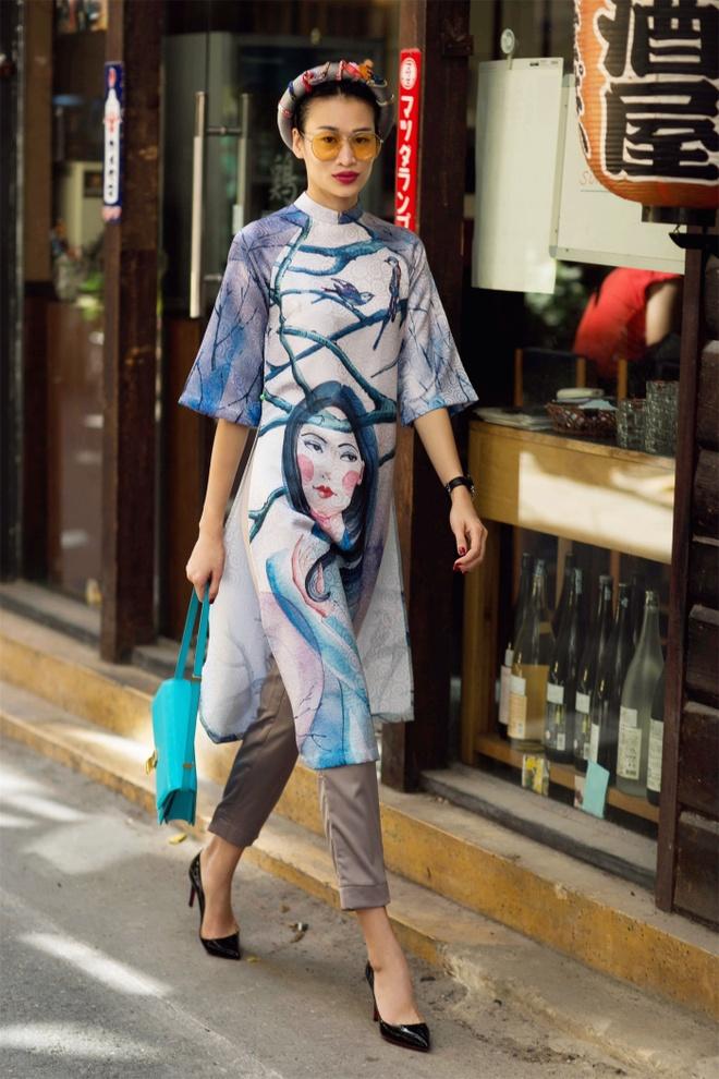 Thanh Truc dien ao dai cach tan xuong pho anh 8