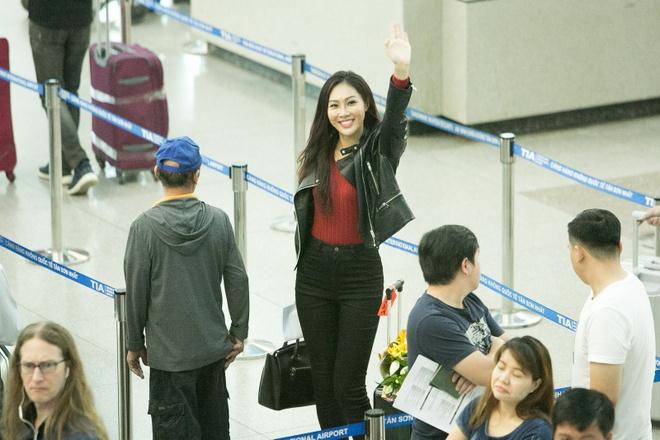 Dieu Ngoc mang 100 kg hanh ly du thi Miss World hinh anh 5
