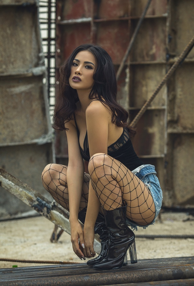 Truong Nhi dien ao crop-top khoe hinh the goi cam hinh anh 1