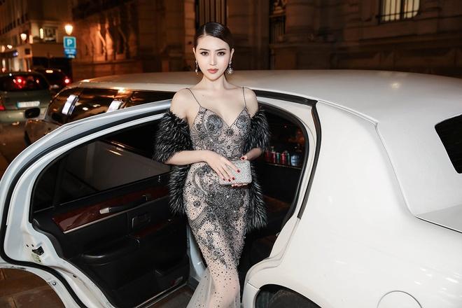 Le Ha, Ngoc Duyen mac goi cam du show Victoria's Secret hinh anh 4