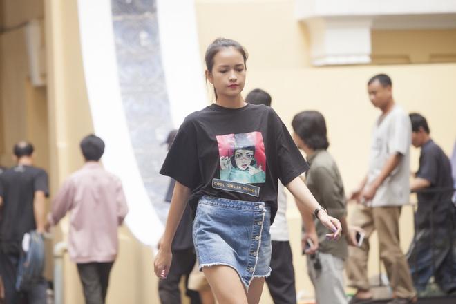 Phi Phuong Anh mac sanh dieu o buoi tap catwalk hinh anh 6