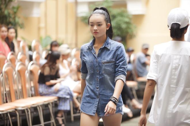 Phi Phuong Anh mac sanh dieu o buoi tap catwalk hinh anh 7