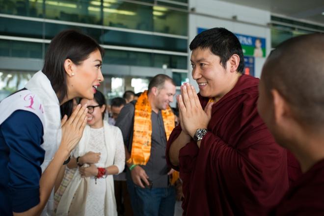 Le Hang duoc Duc Phakchok Rinpoche chuc phuc hinh anh 1