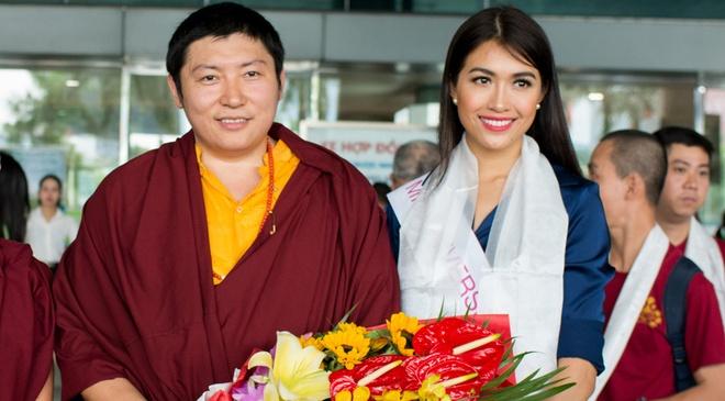 Le Hang duoc Duc Phakchok Rinpoche chuc phuc hinh anh