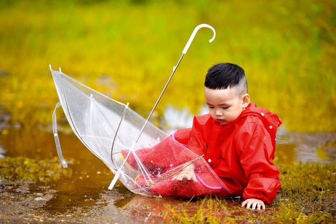Con trai Diem Huong chup anh mung sinh nhat anh 8