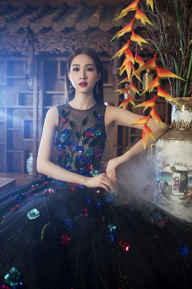 Dang Thu Thao duyen dang trong nhung thiet ke xuan he hinh anh 8